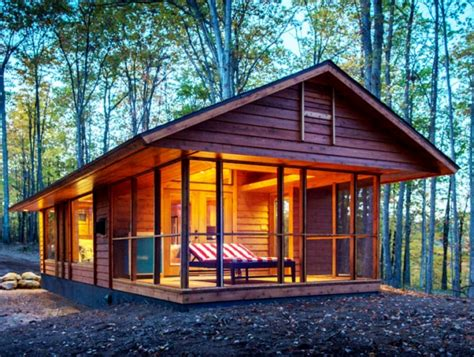 Small Wood Cabin by Moveable Wooden Cabin