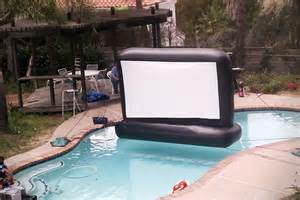 Swimming Pool Movie by Inflatable Swimming Pool Movie Screen Hiconsumption