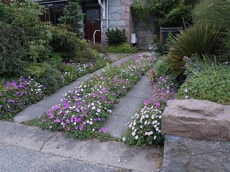 Scottish Rock Garden Club Scottish Rock Garden Club Gt Bulb Log Permeable Driveways Pintere