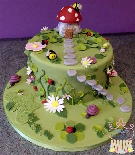 Garden Cakes Ideas Best 25 Garden Cake Ideas On Pinterest Birthday Cake Cakes And Toadstool Cake