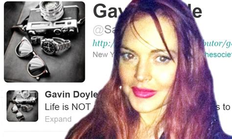 Britneys Assistant Sends Plea For Help by Lindsay Lohan S Assistant Tweets Plea After She Kicks Him