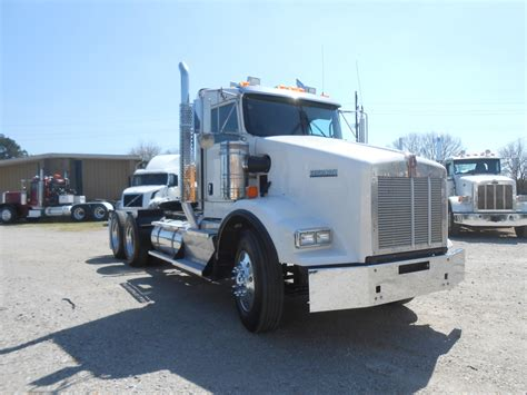used t800 kenworth trucks for sale used 2013 kenworth t800 tandem axle daycab for sale in ms