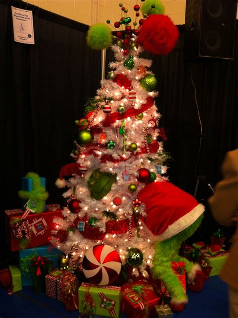 grinch tree christmas pinterest