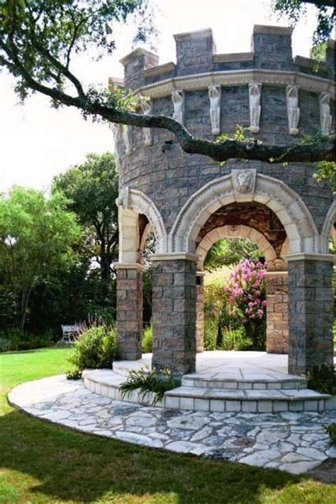 25  best ideas about Fairytale House on Pinterest   Stone