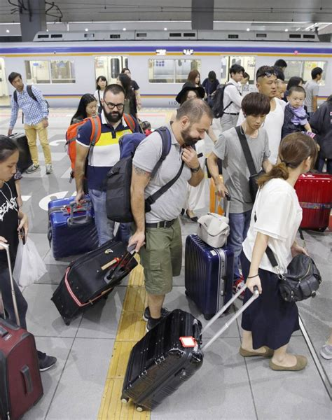 Kansai Airport Sinking by Need To Back Up Sinking Kansai Airport Stymies Region