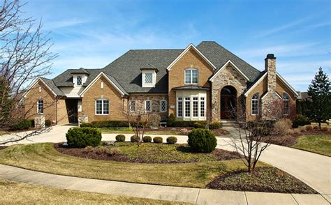 search avon homes for sale