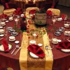 Burgundy Table Ls by Wedding Tables Burgundy Wedding Wedding App For Brides Grooms Bridesmaids Groomsmen