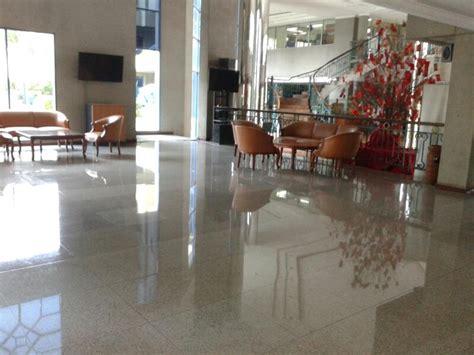 Karpet Lantai Hotel jasa poles lantai geranit jasa cuci karpet jakarta jasa poles laintai marmer jakarta master