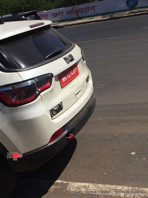 jeep compass trailhawk suv spied  white red