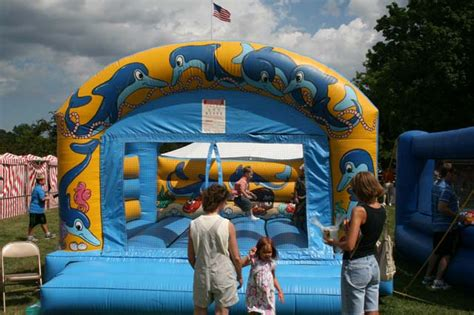 bounce house music bouncy the bull music on the move plus quotes