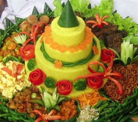 ara membuat nasi kuning a look at birthday cakes from around the world honest