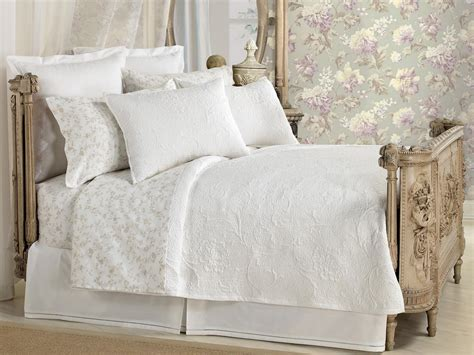 a small bed optimize your small bedroom design hgtv