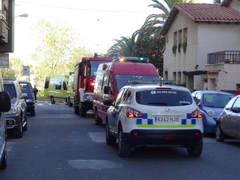 un home cau un home cau d un segon pis a vilafranca quan buscava el seu gat