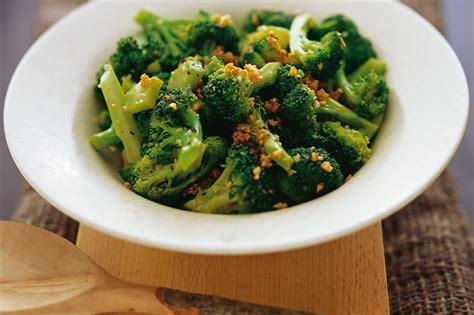 come cucinare i broccoletti di bruxelles raffreddore no grazie dai cachi alla rapa ecco i cibi