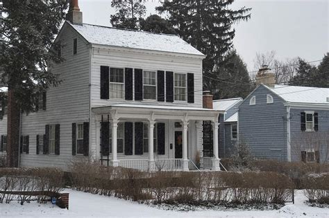 clapboard house photo 572 22 a white clapboard house at 112 mercer st