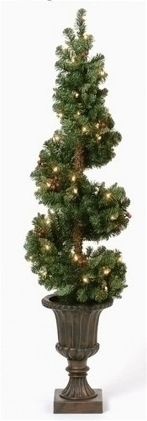 battery lit artficial topiaries how to make a topiary 5 diy projects holidappy