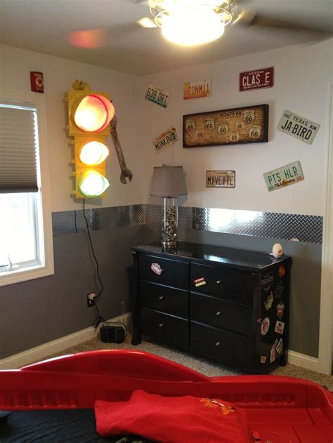 car themed bedroom best 25 garage theme bedroom ideas on pinterest boys