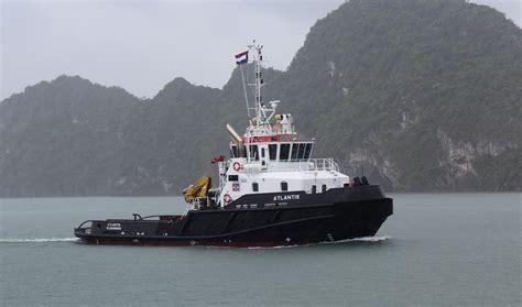 tugboat mate salary master on tug