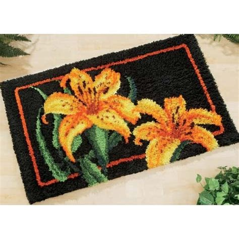 hook rug kits best 16 latch hook images on diy and crafts latch hook rugs hooks and rugs