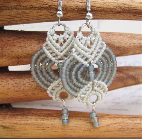 Micro Macrame Patterns - ghostly gray beaded micro macrame earrings