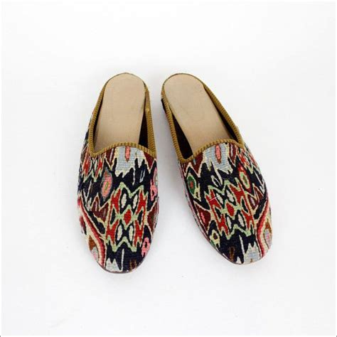 libro the magic carpet slippers 160 best slipper images on leather slippers shoes and fashion show