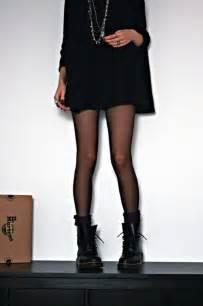 L Picture That Looks Like Legs by Les Chaussettes Sont Elles Styl 233 Es Archistyl 233 Es Dress