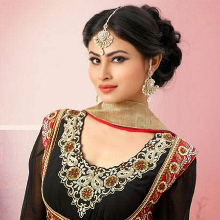nagin 2 serial moni roy sari hd image mouni roy bio fact married affair divorce boyfriend