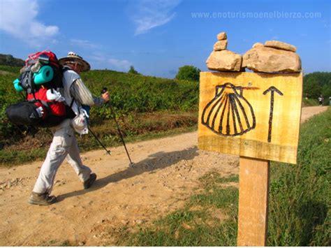 el camino santiago newsnoticiasnotizienouvelles transporte de mochilas
