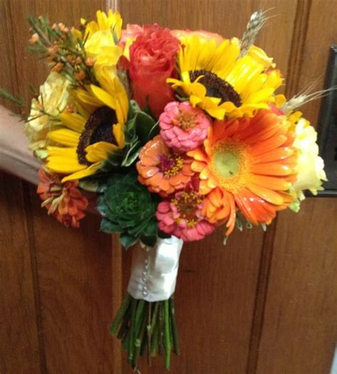 Wholesale Wedding Flowers by The Best Options When You Talk About Wholesale Wedding Flowers