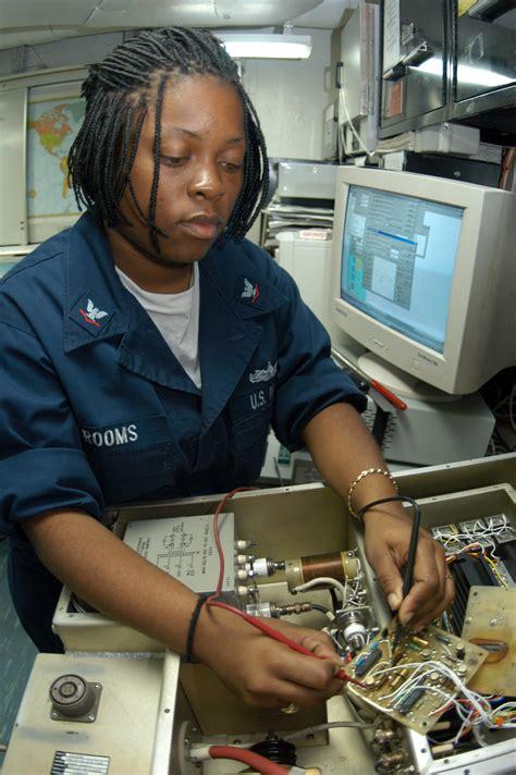 fileus navy     electronics technician