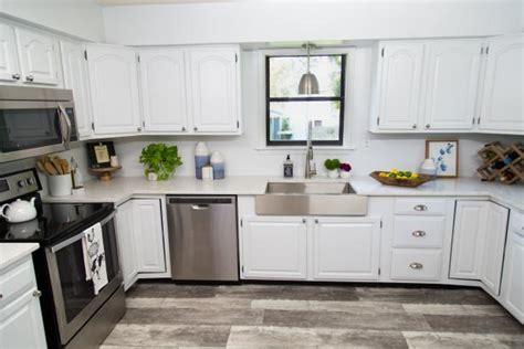 paint  kitchen cabinets  sanding  priming diy