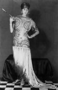 Vintage photography peggy guggenheim in a poiret design by man ray