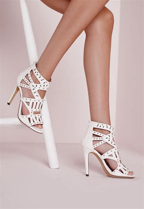 8 Gorgeous Pairs Of Shoes 8 pairs of gorgeous graduation shoes that will ensure you
