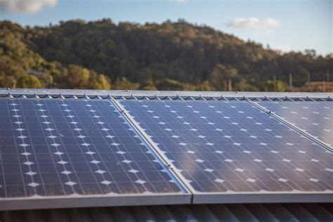 solar panel review australia australia s utility companies struggling to stop solar pvs