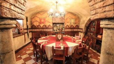 ristorante tavola rotonda ristorante medievale roma pub la leggenda di avalon