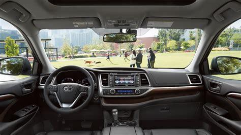 toyota highlander 2016 interior 2016 toyota highlander carsfeatured com
