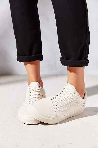 vans minimalist shoes 1000 ideas about clean toms shoes on cleaning