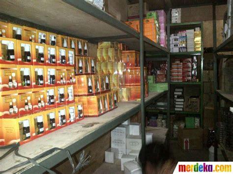 Rak Kosmetik Malang foto bpom grebek gudang berisi ratusan ribu kosmetik