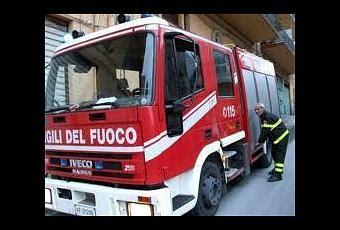 veneto holding filiali brescia d 224 fuoco alla filiale di veneto holding