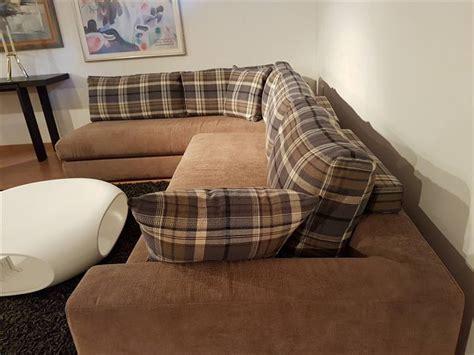 divani a angolo prezzi divano con angolo uso penisola