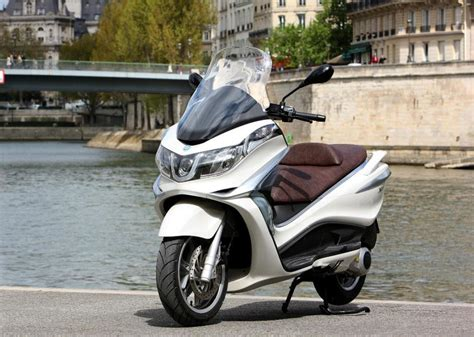 X10 Js 2013 piaggio x10 125 review top speed