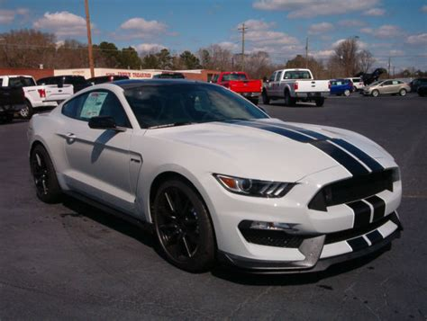 white mustang black roof new mustang gt350 avalanche gray painted black roof