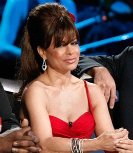 Is Replacing Paula Abdul by The Battle For The Fourth Seat On Idol Extratv