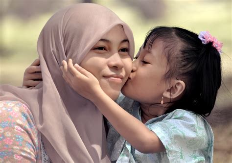 And Stripe Salur Ibu Dan Anak ajarkan anak hormati tubuhnya sendiri pedoman bengkulu