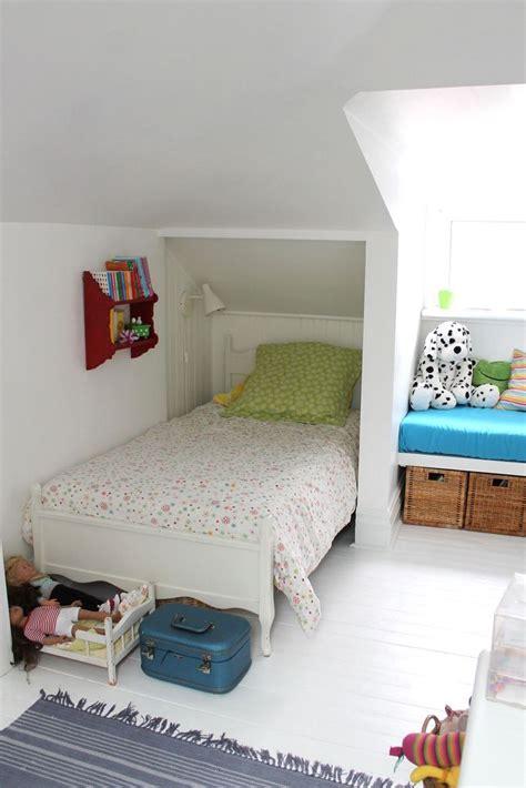 small attic bedrooms ideas  pinterest small