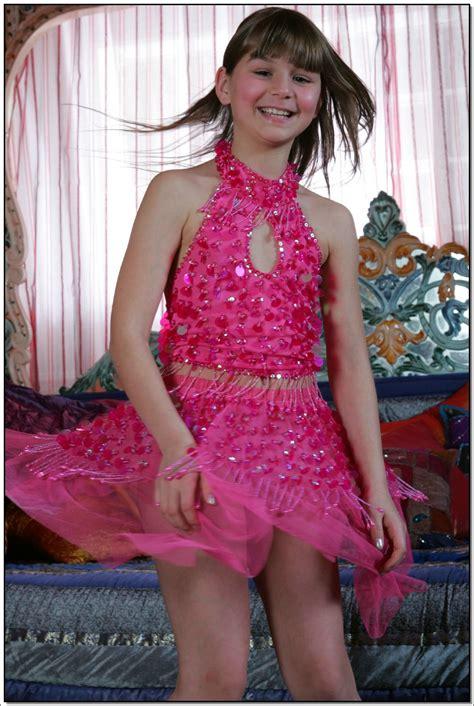 lane model lane model tv pinkskirt 046 modelblog