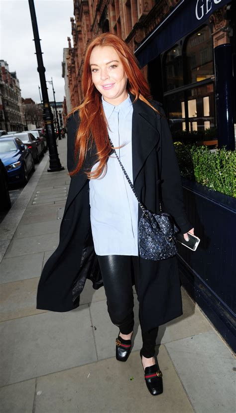 Get Lindsays Casual Look by Lindsay Lohan Lindsaylohan Casual Style Out In