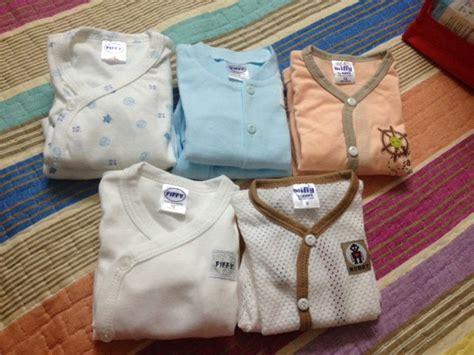 Set Bantal Dan Alas Newborn Bestseller keperluan bayi sebagai persediaan menyambut quot orang baru