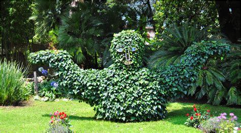 botanischer garten am gardasee park andre heller galerie eduard kleitsch blattskulptur andre heller
