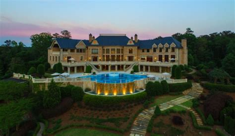 tyler perry house for sale tyler perry sells atlanta mega mansion for 17 5 million homes of the rich